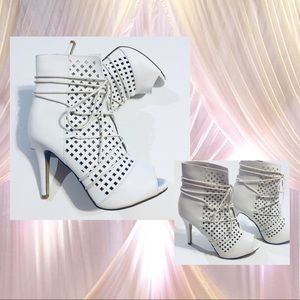 White Ankle Boots Lace Up Cutout  Boots Bootie 9